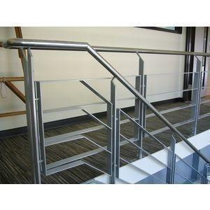 樓梯扶手-冠美金屬企業股份有限公司