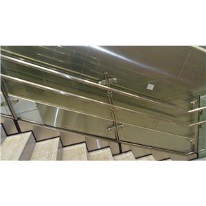 台中清泉崗機場-扶手欄杆工程-光輝金屬工程股份有限公司