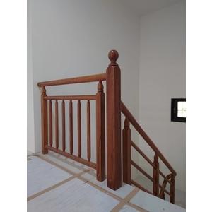 樓梯扶手-大實行