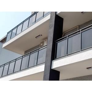 陽台玻璃欄杆-大實行