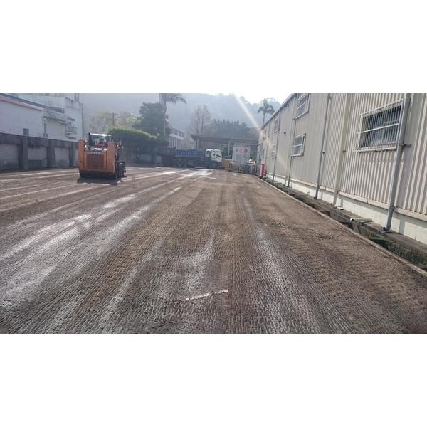 柏油鋪設施工中1-友泉工程有限公司-桃園