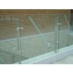 不銹鋼立柱玻璃欄杆