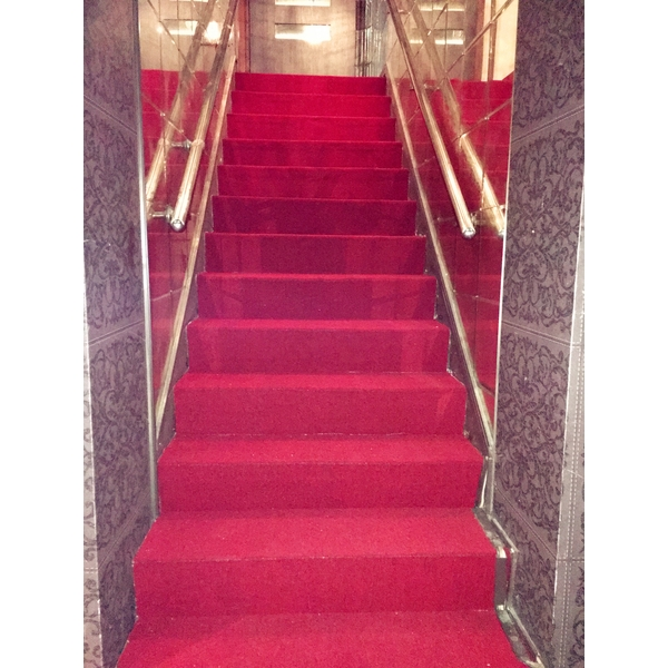 樓梯地毯-碩宏裝潢企業有限公司-新北