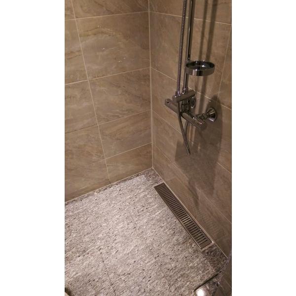 淋浴間地坪-亞麻綠