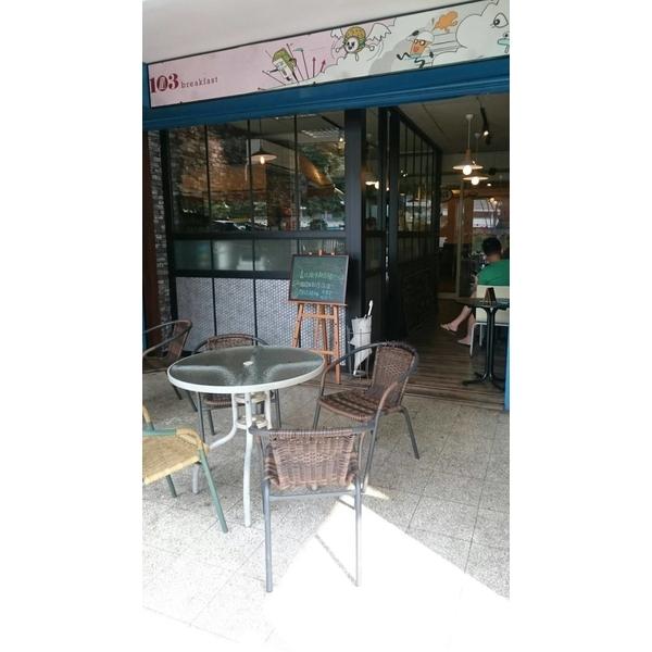 食食在在早餐店-吧檯-冠儀鋁門窗-新北