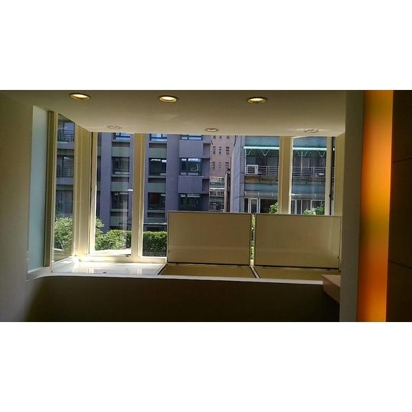 陽台凸窗加儲藏室1-冠儀鋁門窗-新北