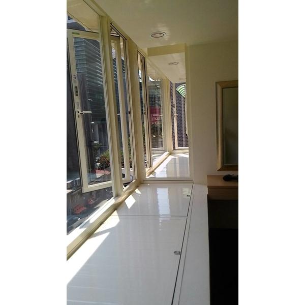 陽台凸窗加儲藏室2-冠儀鋁門窗-新北