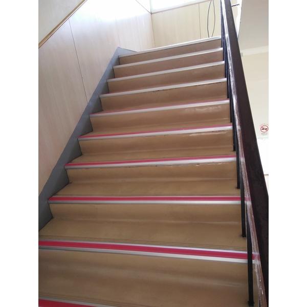 樓梯止滑施工-永振工程行-基隆