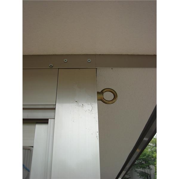 九代興警衛亭-防颱吊環