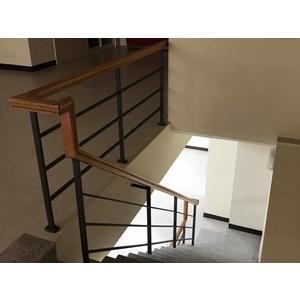 住家樓梯扶手