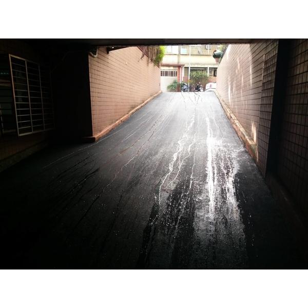 地下道瀝青舖設工程完工