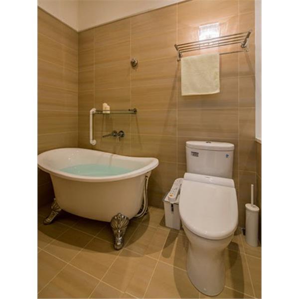 浴室深米黃