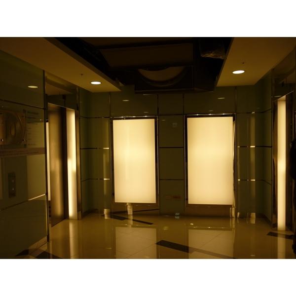 電梯間鍍貼門框