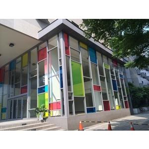 台灣大學藥學系 - 美國首諾Saflex Vanceva 多彩膠合玻璃建案