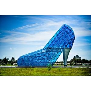 嘉義布袋藍色玻璃高跟鞋教堂 - 美國首諾Saflex Vanceva 多彩膠合玻璃建