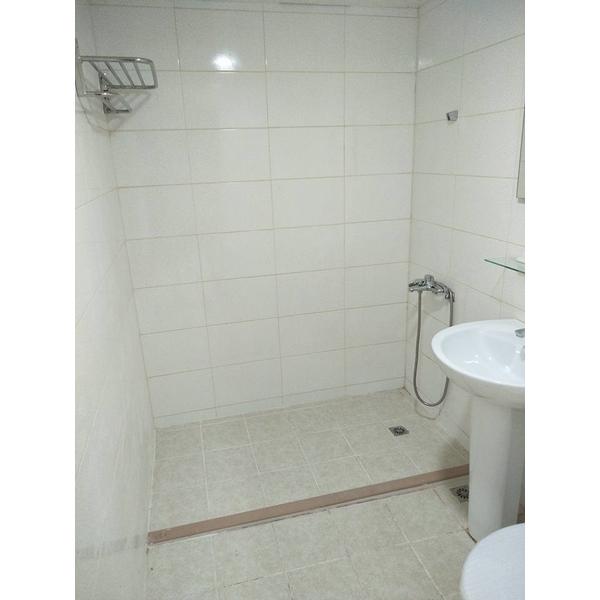 三拉淋浴拉門-京典系統門窗公司-台南