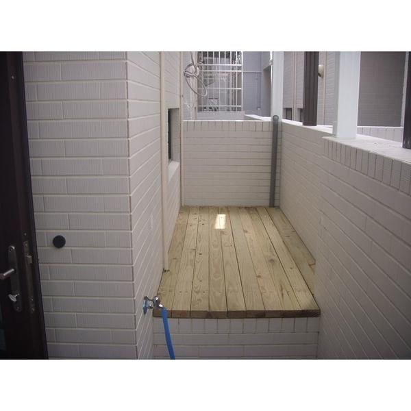 南方松木地板-京典系統門窗公司-台南