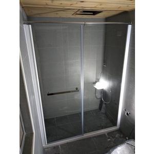 簡框橫拉(推開)玻璃淋浴拉門