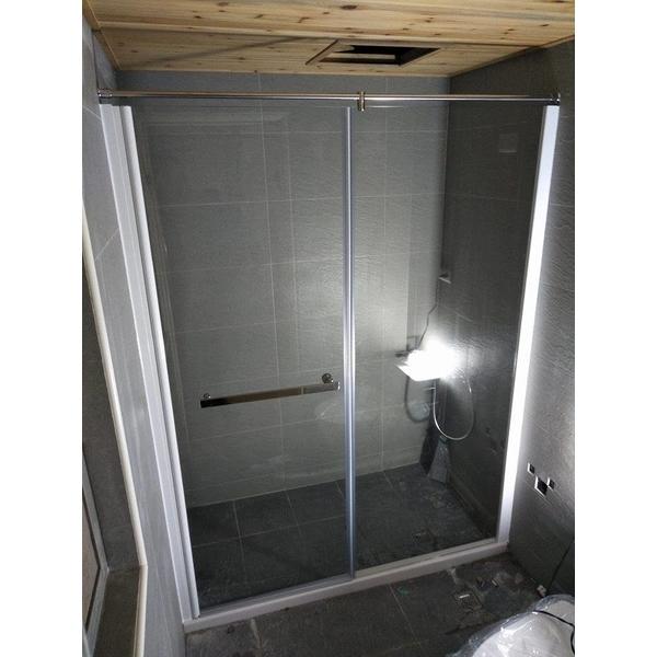 簡框橫拉(推開)玻璃淋浴拉門-人京典門窗公司-台南