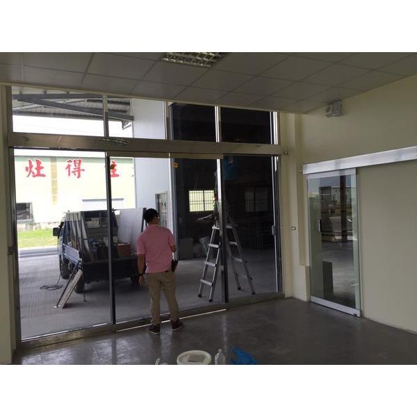 烤漆黑玻璃自動門