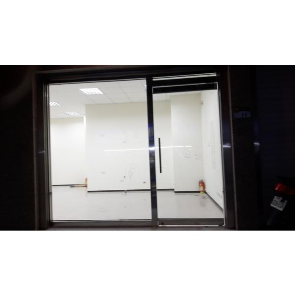 不銹鋼玻璃自動門