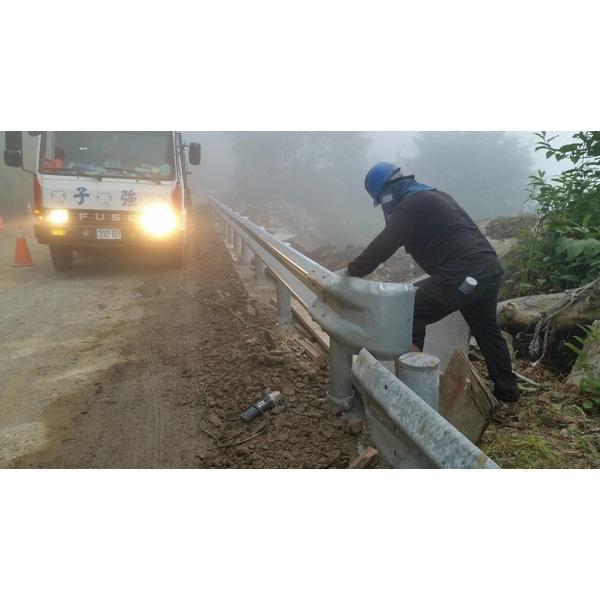 鋼板護欄施工7-子強金屬工業有限公司-高雄