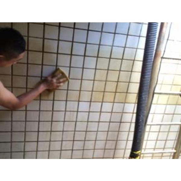 頂樓水塔清洗中-一太清潔衛生工程行-新竹