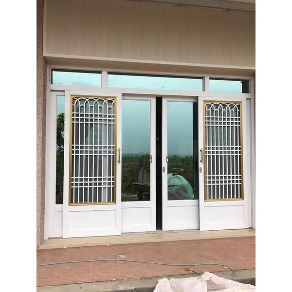 落地玻璃門