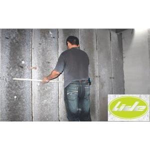 施工步驟4以蝴蝶夾假固定調整牆板平整度01-立得開發有限公司-台中