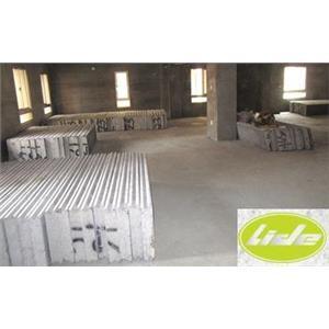 施工步驟1堆高機或吊車搬運材料進入場地02-立得開發有限公司-台中