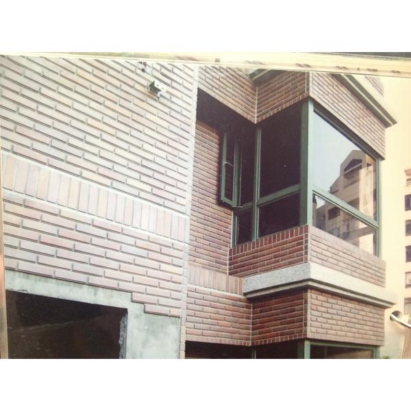 大樓外牆貼磁磚工程