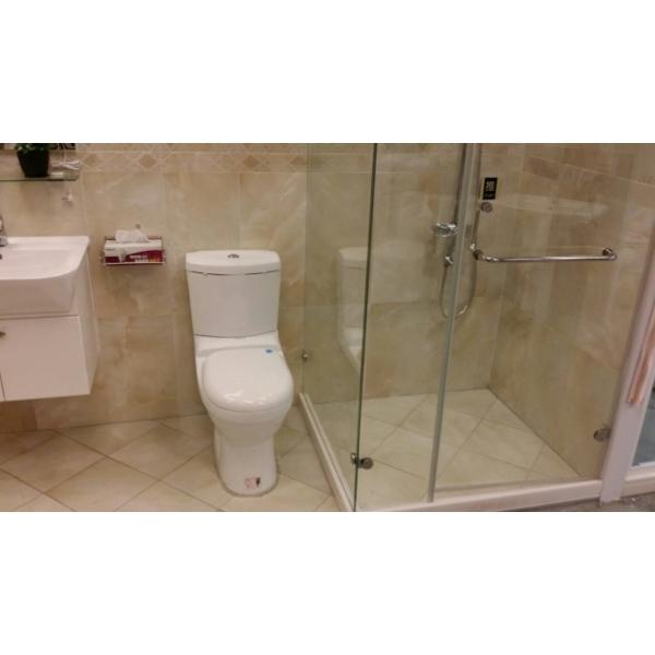 衛浴設備乾溼分離貼石英磚