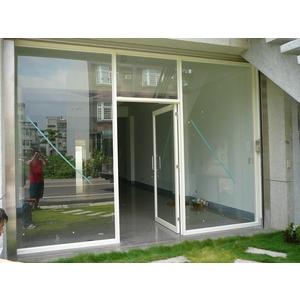 牙白色鋁框玻璃推拉門門面