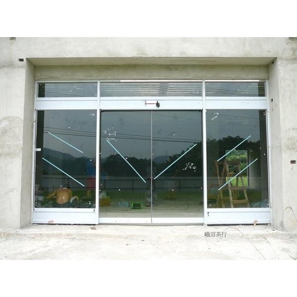 鏡面不鏽鋼雙開自動門-牧村自動門-新竹