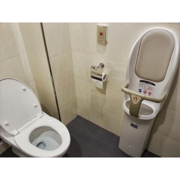 BK-F72 豪華落地型兒童安全椅安裝實例-台灣凱溢有限公司-台北