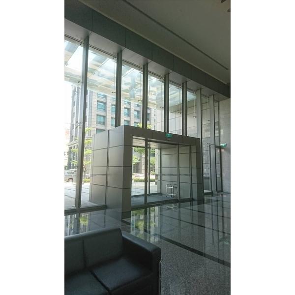 玻璃帷幕2