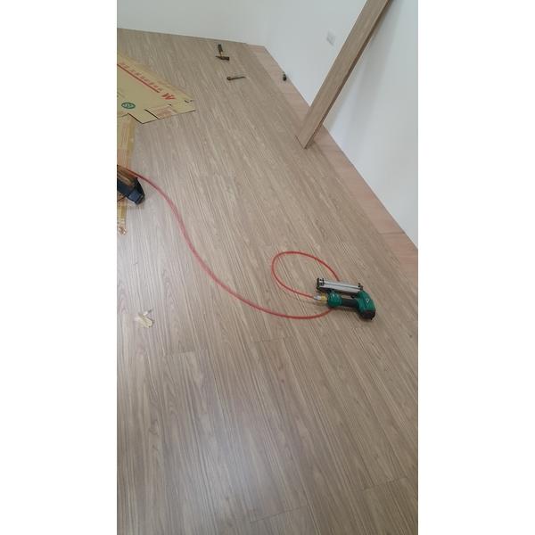 木地板 塑膠地板