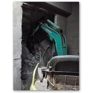 挖土機施工