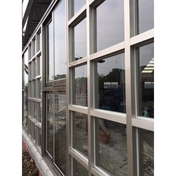 格子窗加氣密窗安裝工程