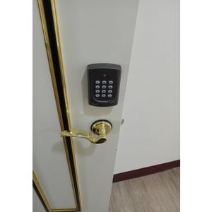 裝設密碼鎖