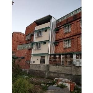 頂樓加建&牆壁封不銹鋼板&後白鐵窗及雨遮