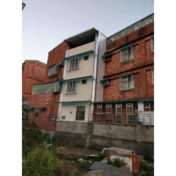 頂樓加建&牆壁封不銹鋼板&後白鐵窗及雨遮-金界工程行-新北