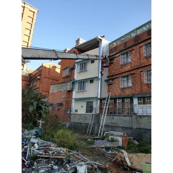頂樓加建&牆壁封不銹鋼板&後白鐵窗及雨遮1-金界工程行-新北