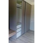 衣櫥收納空間