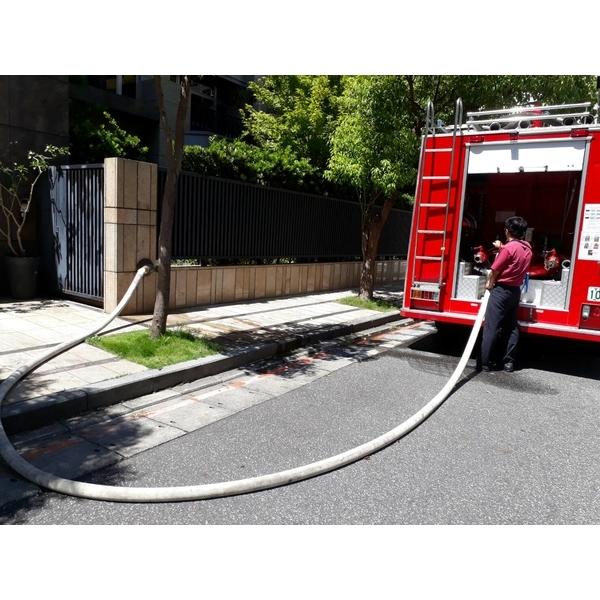台北市某社區豪宅協助消防隊消防車試水工程