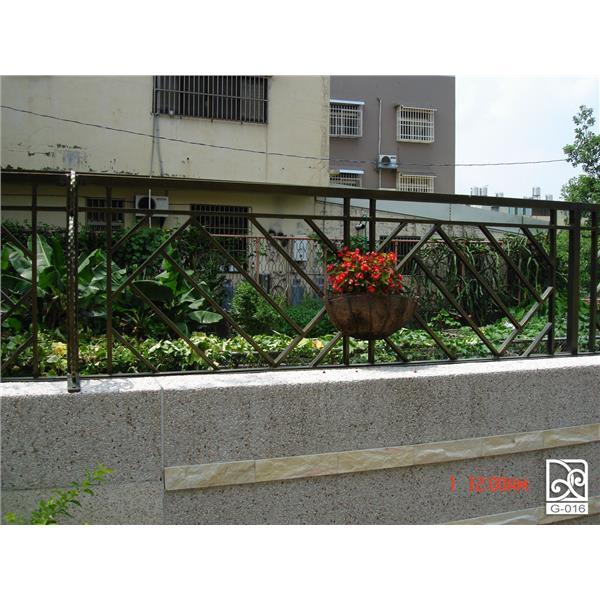 J圍牆欄杆