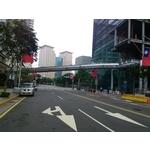 鋁包板玻璃欄杆-新府路段-新板特區空橋實景1