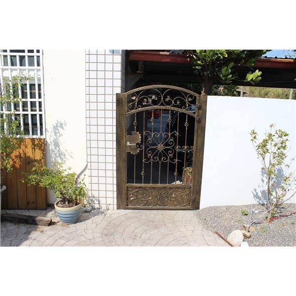 圍牆鍛造門