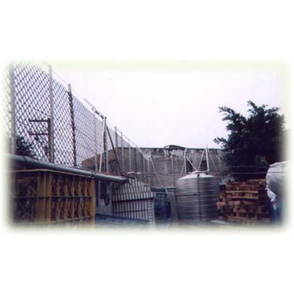 戶外專用電子警戒圍籬系統