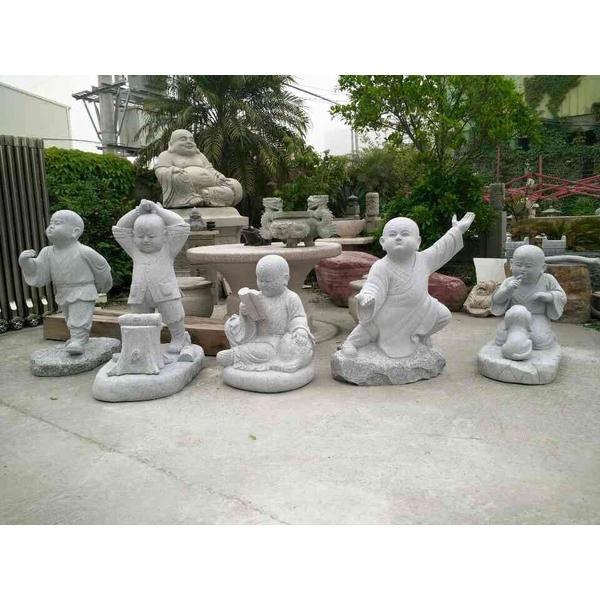 小沙彌石雕